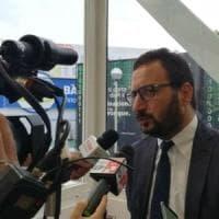 Regione Puglia, sospetto voto di scambio: si dimette l'assessore Mazzarano