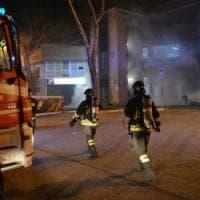 Bari, incendio doloso nella sede del giudice di pace: in fiamme anche le