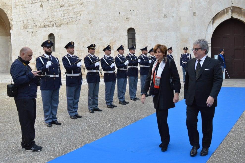 """Bari, la festa della polizia: """"Diamo il meglio di noi per la sicurezza dei cittadini"""""""