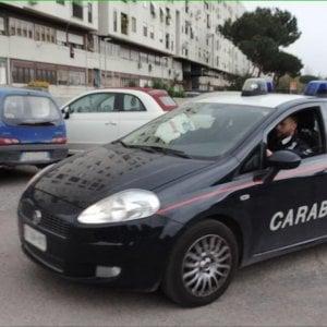 Bari, ingoia droga per sfuggire al controllo e finisce in overdose: salvato dai carabinieri