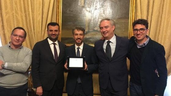 Bari, targa del Comune a Walter Fasano: suo il montaggio del film 'Chiamami col tuo nome'
