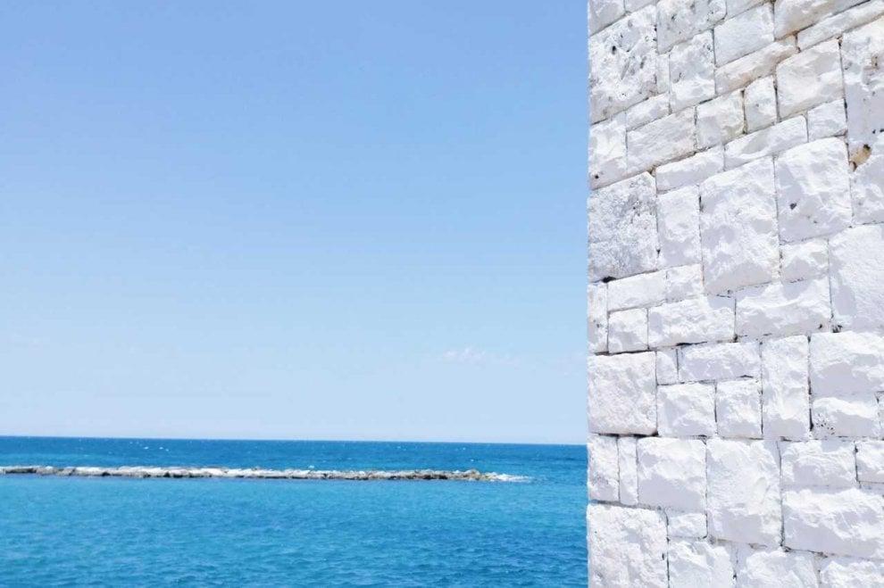 Paesaggi come geometrie, è la Puglia di Bertugno