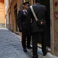 Brindisi, indagato per estorsione in famiglia: frattura due costole al padre.