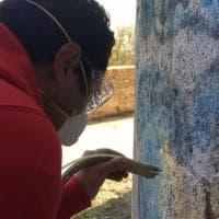 Lucera, ripulito il muro del castello federiciano imbrattato dai vandali
