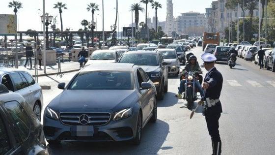 Bari, lungomare chiuso per il villaggio Coldiretti: traffico record in centro