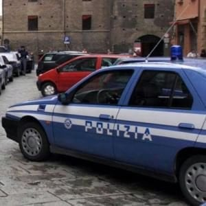 Lecce, accoltellano 28enne in piazza dopo una lite: arrestat