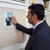 Bari, danneggiata per la terza volta la lapide dell'ex comandante Marzulli