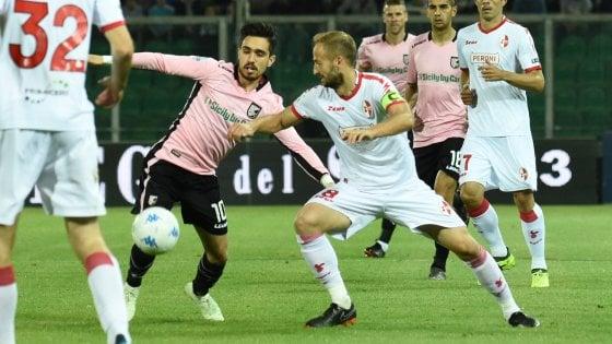 Il Bari a Palermo perde la testa ma guadagna un punto: 1-1 con due cartellini rossi