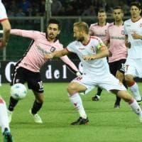 Il Bari a Palermo perde la testa ma guadagna un punto: 1-1 con due cartellini