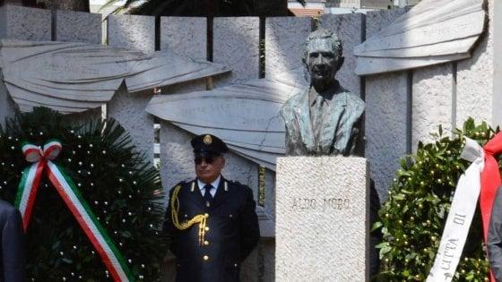 """Aldo Moro, Bari dedica 5 targhe allo statista: """"Itinerario nei luoghi che lo legano alla città"""""""