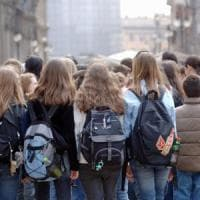 Lecce, 15enne in gita ricoverato dopo uno spinello: malore per il mix tra