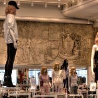 Bari, nel megastore un'opera d'arte racconta la storia della città