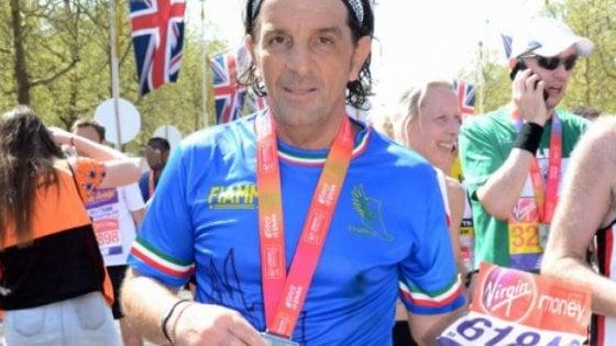 maratona di londra, 59enne barese fa una scorciatoia e batte l`oro olimpico: il times lo scopre