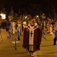Corteo storico di San Nicola, danza aerea e tradizione: una festa per 150mila baresi
