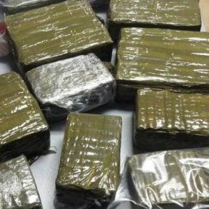 Una tonnellata di hashish dal Marocco all'Italia: 16 arresti tra Puglia e Basilicata