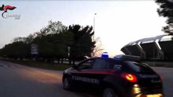 Bari, prostituzione minorile davanti allo stadio San Nicola: altri tre arresti