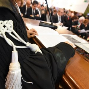 Bari, giornalista simulò aggressione da parte di 2 colleghi: a processo per calunnie