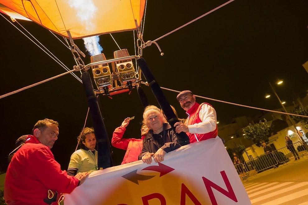 A 94 anni in volo sui trulli di Alberobello con la mongolfiera