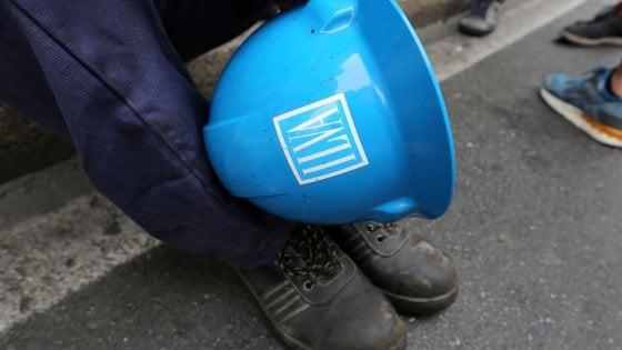 """Ilva, l'ultimo appello di Calenda ai sindacati: """"Fate presto: Lega e M5S vogliono chiuderla"""""""