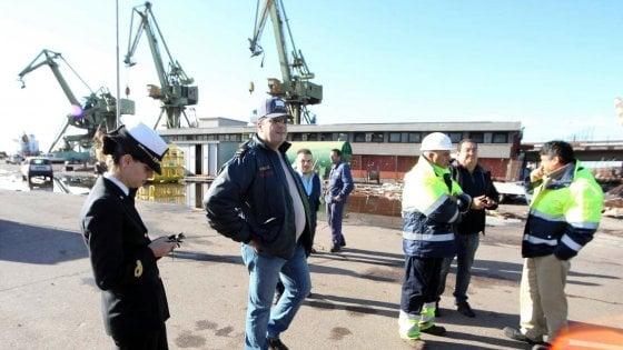 Ilva di Taranto, incidente mortale sul lavoro: operaio 28enne muore colpito dal cavo di una gru