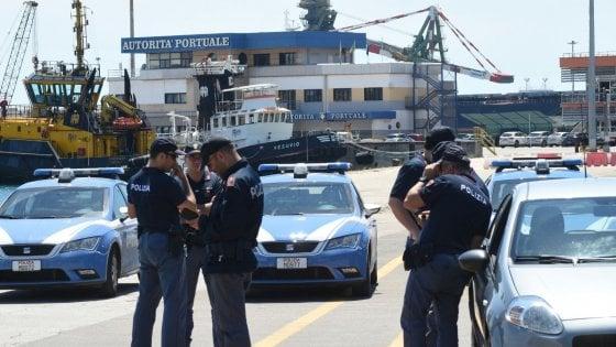Ilva di Taranto, incidente mortale su una gru: muore operaio 28enne. Sciopero immediato