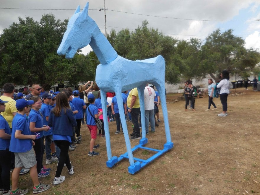 Grottaglie, un cavallo in cartapesta per i 40 anni della legge Basaglia