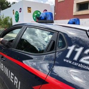 Lecce, automobilista investe ciclista 58enne e lo colpisce a bastonate