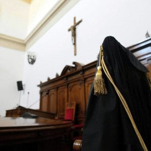Lecce, si rifiuta di pagare gli alimenti al figlio: 43enne f