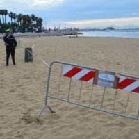 Bari, la fogna sversa i liquami in mare: bagni vietati sulla spiaggia di Pane e pomodoro