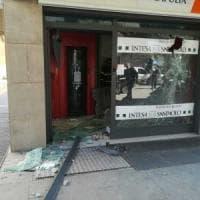 Foggia, due assalti ai bancomat di BancApulia a distanza di poche ore: solo