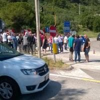 Foggia, la protesta blocca la statale Garganica: