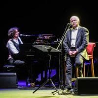 Bari, torna il grande jazz sul sagrato della basilica: aprono Paoli, Rea