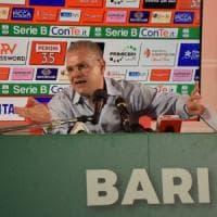 Bari, Giancaspro attacca la Lega di serie B e tace sull'inchiesta.