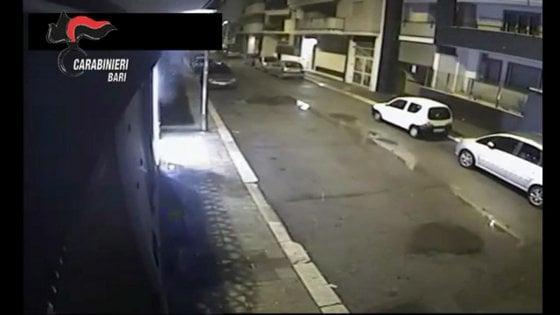 Andria, arrestato 48enne: era diventato l'incubo dei commercianti con attentati e telefonate