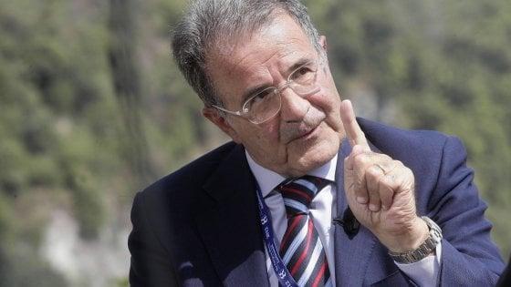 """Romano Prodi a Lecce per parlare di pace: """"L'Ilva non può chiudere, Tap serve a tutto il Sud"""""""