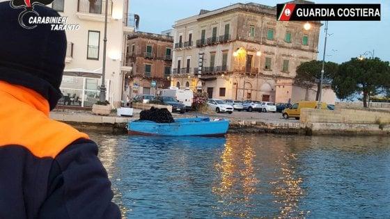 Taranto, smerciavano cozze a rischio contaminazione: denunciate 8 persone