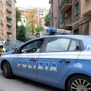 Andria, colpi di casco per rapinare pochi spiccioli: arrestati due ventenni