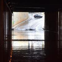 Maltempo a Bari, traffico in tilt e sottopassi chiusi