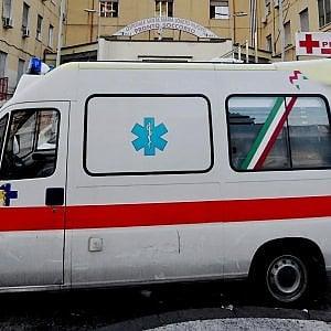 Lecce, crolla un balcone nel cantiere della sala ricevimenti: muore operaio 32enne