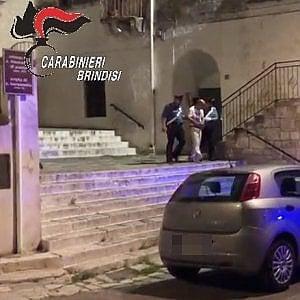Brindisi, sgominata banda di ladri-ballerini: passi di rap prima dei furti d'auto