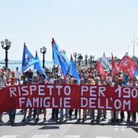 Bari, il corteo dei lavoratori ex Om Carrelli: