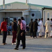 Bari, reclutavano migranti al Cara per portarli illegalmente nel nord Europa: 4 arresti
