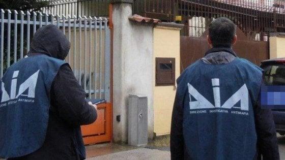 Bari, sequestro da 31 milioni di euro per riciclaggio: 28 indagati, c'è anche il patron del Bitonto calcio