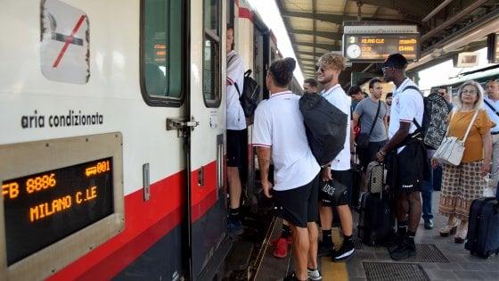 Bari calcio, la squadra parte in treno per il ritiro. Strappo nel cda: si è dimesso l'ex consulente di Giancaspro