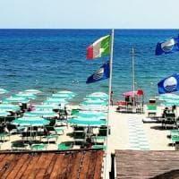 Spiaggia cara e statale 16 da incubo, i baresi abbandonano Monopoli per