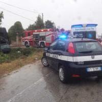 Foggia, auto fuori strada: muoiono una bambina di 4 anni e il padre, ferita la madre