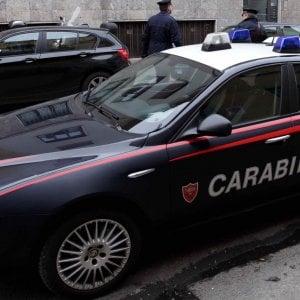 Palo del Colle, 40enne con problemi psichici si barrica in c