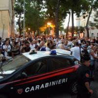 Palo del Colle, 40enne con problemi psichici si barrica in casa col fucile: bloccato dai...