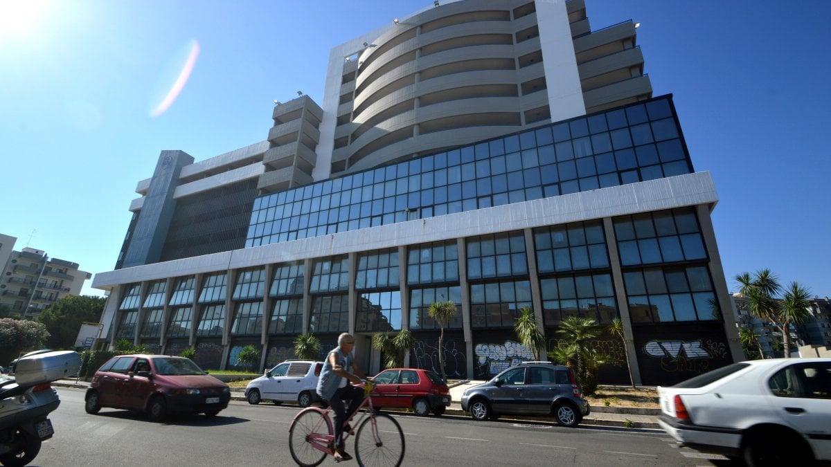 Palagiustizia di bari lettera dei dipendenti nuova sede for Nuova apertura grande arredo bari
