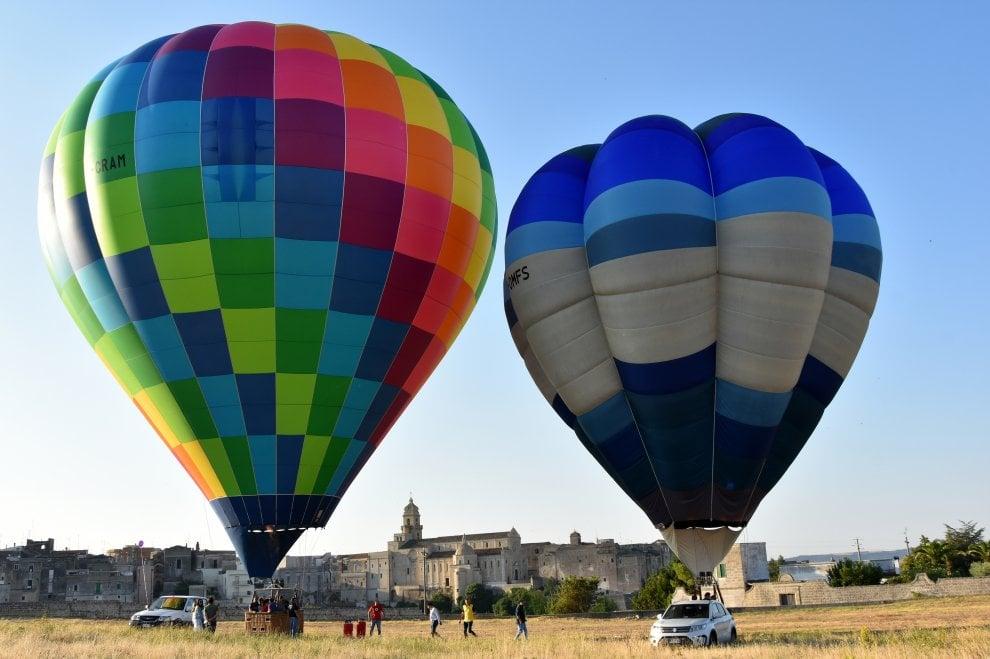 Mongolfiere in volo su Gravina: uno spettacolo di colori